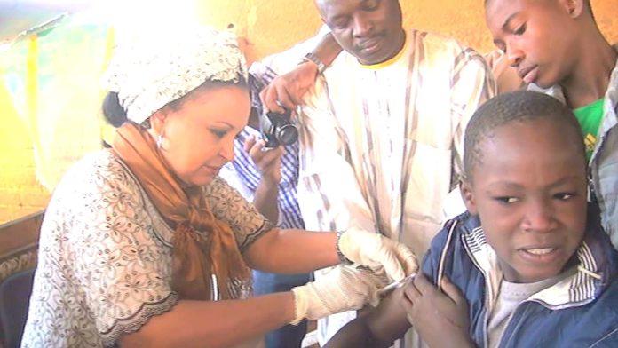Vaccinationb